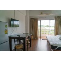 Double condo for rent on the 5th floor of Rayong Condochain on Mae Rumphueng Beach in Thailand