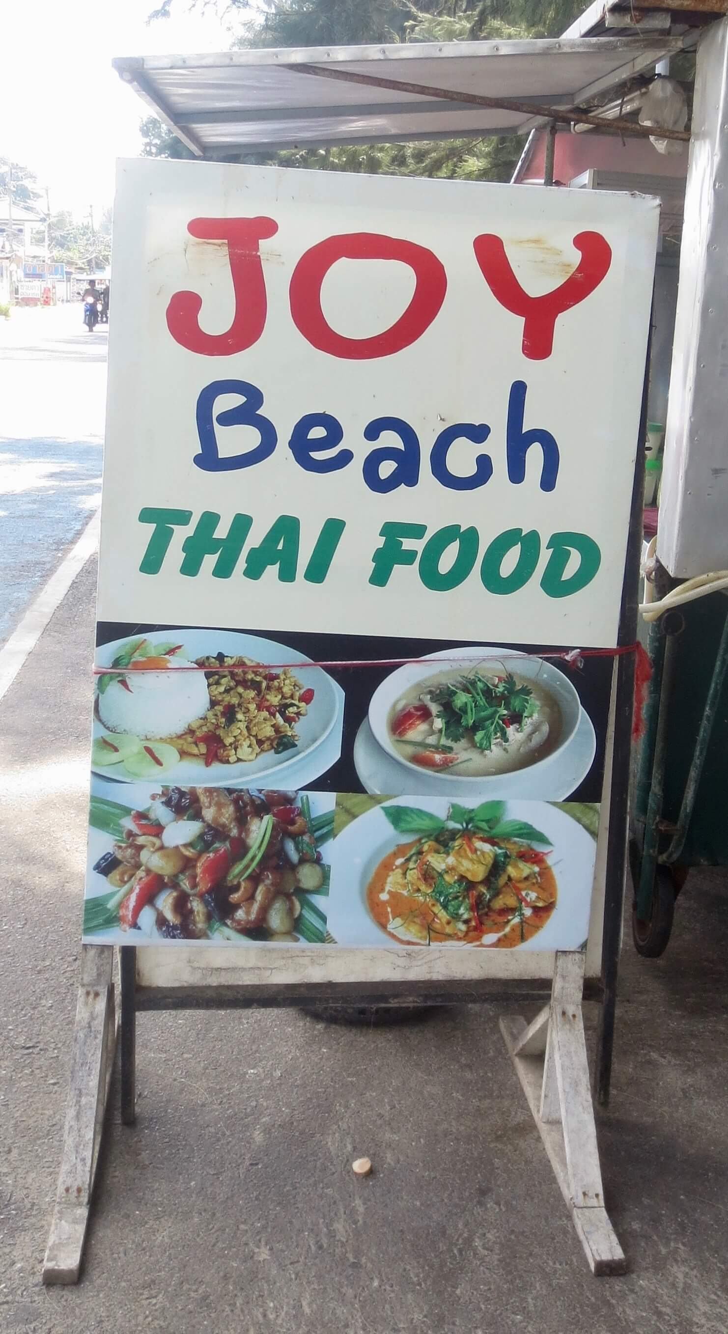 Joy Beach Thai food in Mae Rumphueng, Rayong province