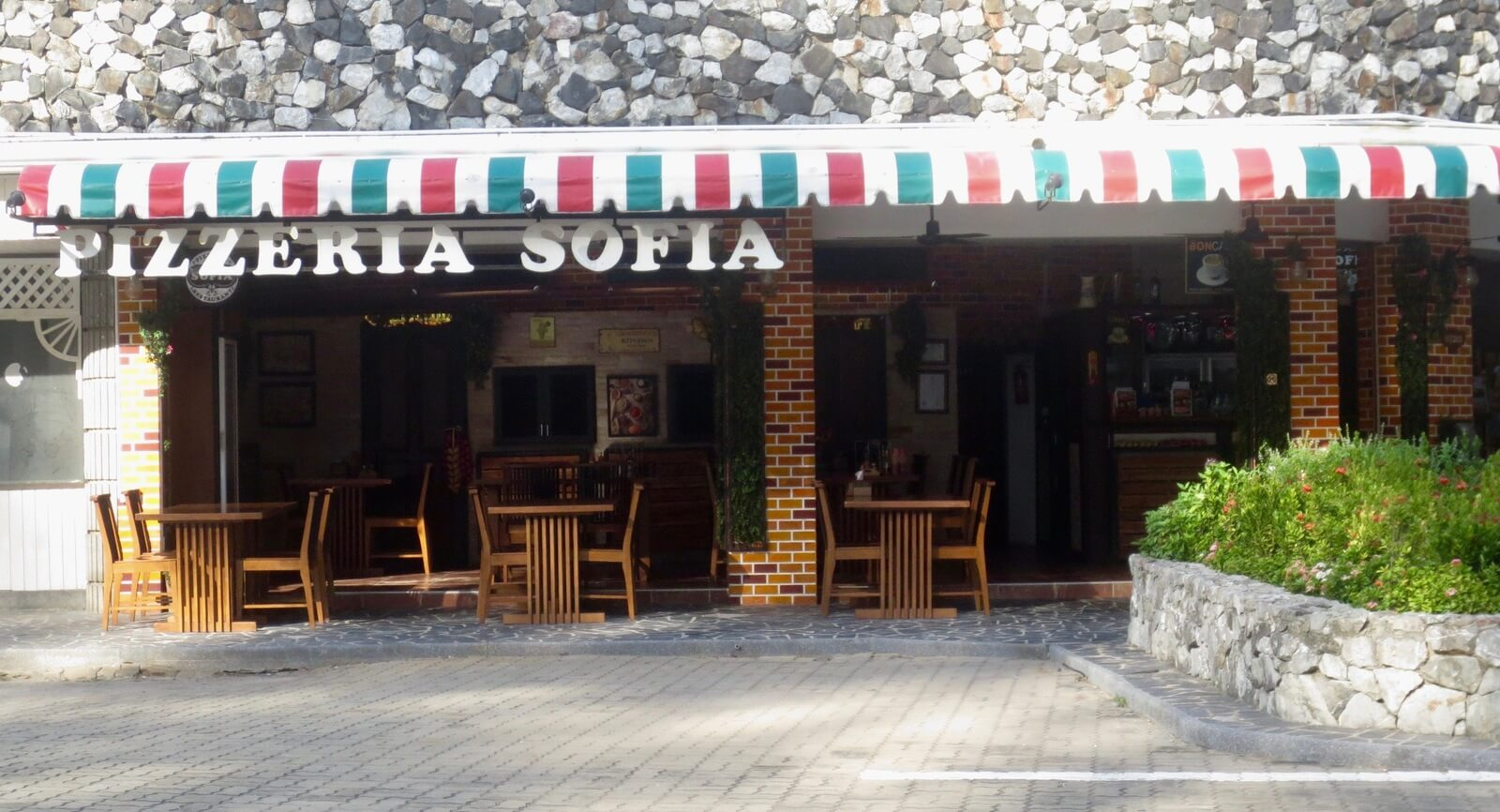 Pizzeria Sophia on Mae Rumphueng Beach in Rayong, Thailand