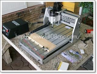 มินิซีเอ็นซี คืออะไร (MINI CNC) ,  มินิซีเอ็นซี MINI CNC ,Small CNC Engraving Machine ,ขาย เครื่องแกะสลัก 3 มิติ หรือ Mini CNC,เครื่อง แกะ สลัก mini cnc มือ สอง ,mini cnc low cost ,ขาย mini มือ สอง ,