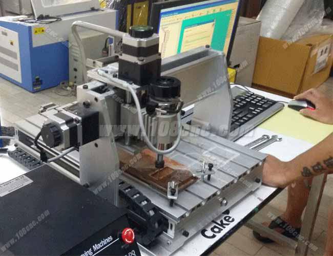 เครื่องกัดซีเอ็นซี-CNC