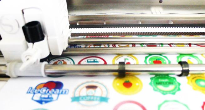 เครื่องพิมพ์ สติ๊กเกอร์ ใส, เครื่องพิมพ์สติ๊กเกอร์ ขนาดเล็ก, เครื่องพิมพ์สติ๊กเกอร์ ไดคัท, เครื่องพิมพ์บาร์  โค้ด, สติกเกอร์ ฉลากสินค้า, ปริ้นสติ้กเกอร์, เครื่องพิมพ์,พิมพ์สติ๊กเกอร์ PVC, เครื่องพิมพ์สติ๊กเกอร์ ,   เครื่องพิมพ์สติ๊กเกอร์, เครื่องพิมพ์ภาพระบบ UV, เครื่องพิมพ์ uv ราคา