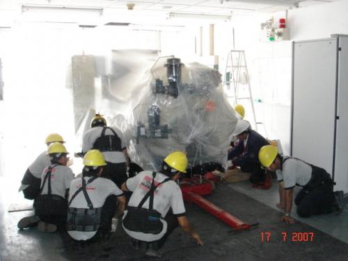 นำเครื่องทำอากาศอัดประสิทธิภาพสูงเข้าสู่ห้องเครื่อง