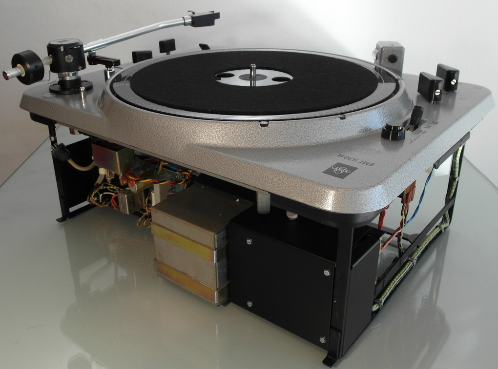 Update ล่าสุด  220V/50Hz/pulley EMT 930st + new 929 Tonearm + new TSD 15 SFL MC Cartridge + original 155st Phono Stage + Setup + Boxed โทร. 084 560 3199