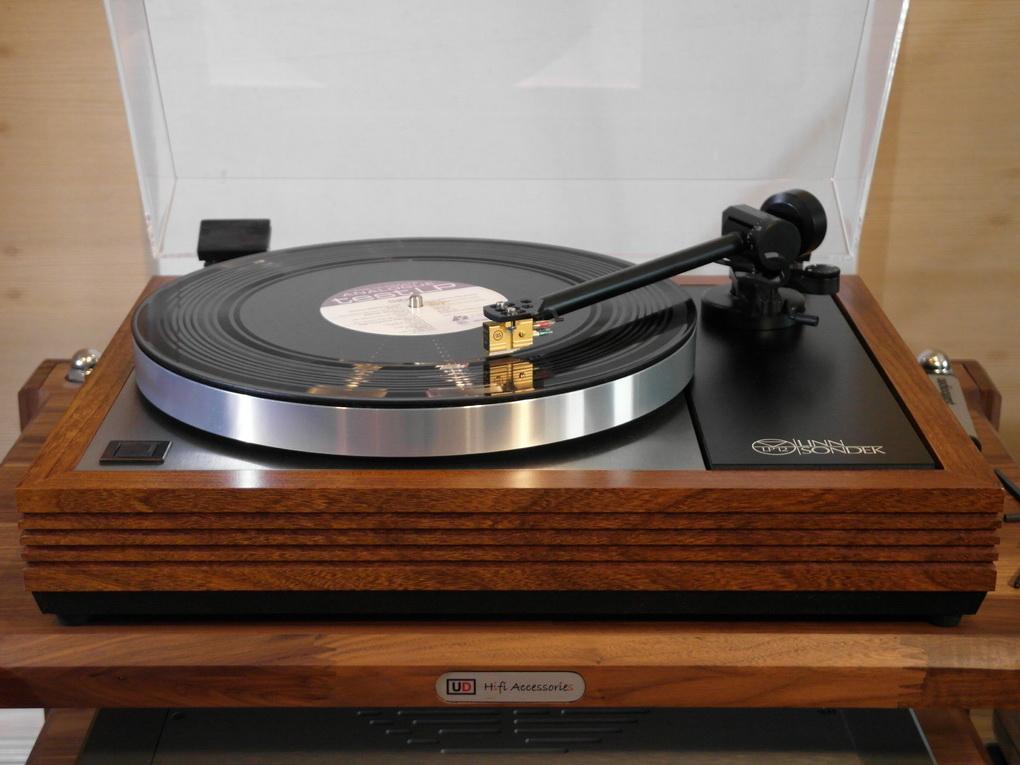 LINN LP12 #331 + EKOS #500 + ortofon MC 20 Super 25 + Setup สอบถามเพิ่มเติมได้ครับ โทร. 084 560 3199