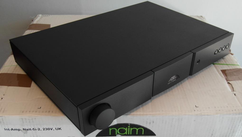 230V/50Hz UK Naim Nait 5i-2 Italic Integrated amplifier + Boxed สอบถามเพิ่มเติมได้ครับ โทร. 084 560 3199