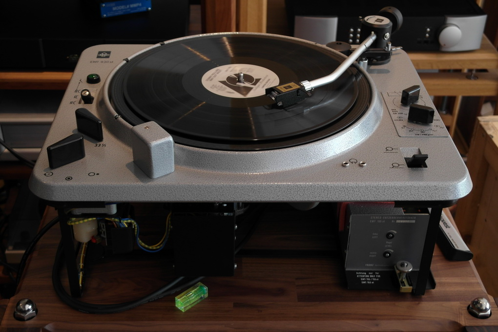 50Hz/Pulley Version Restored EMT 930st #437 + 929 Tonearm + new TSD 15 SFL Cartridge + 155st Phono Stage + Setup สอบถามได้ครับ โทร. 084 560 3199