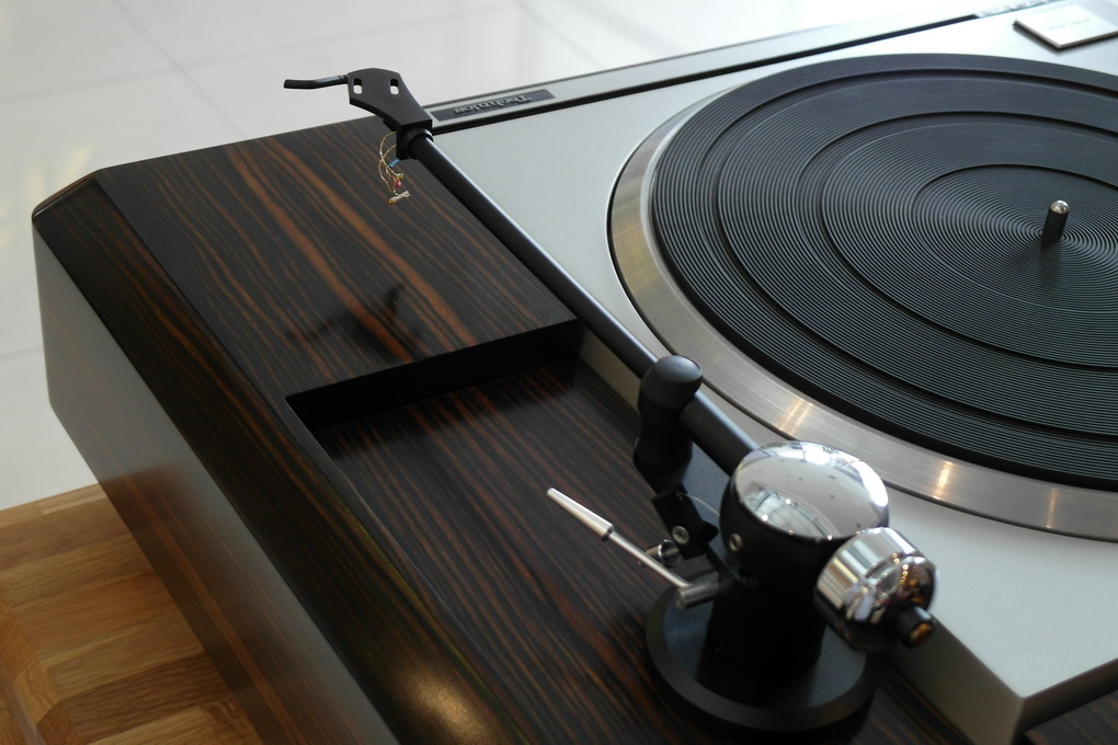 Technics SP-10 mk 2 + Helius Design Scorpio 4 + Plywood Plinth + ไฟน์จูน สอบถามเพิ่มเติมได้ โทร. 084 560 3199