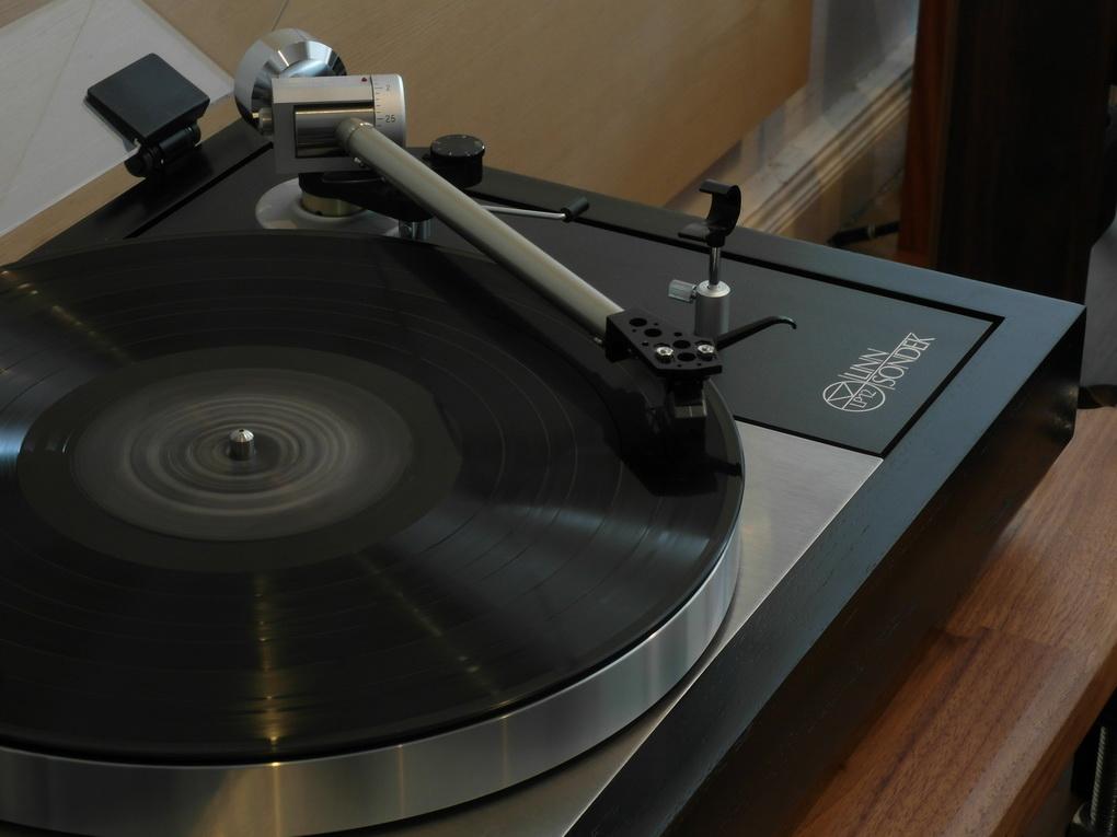 LINN LP12 #685 + VALHALLA + ITTOK LV II + CIRKUS + TRAMPOLINE + 45 rpm adaptor + ไฟน์จูน สอบถามได้ครับ 084 560 3199