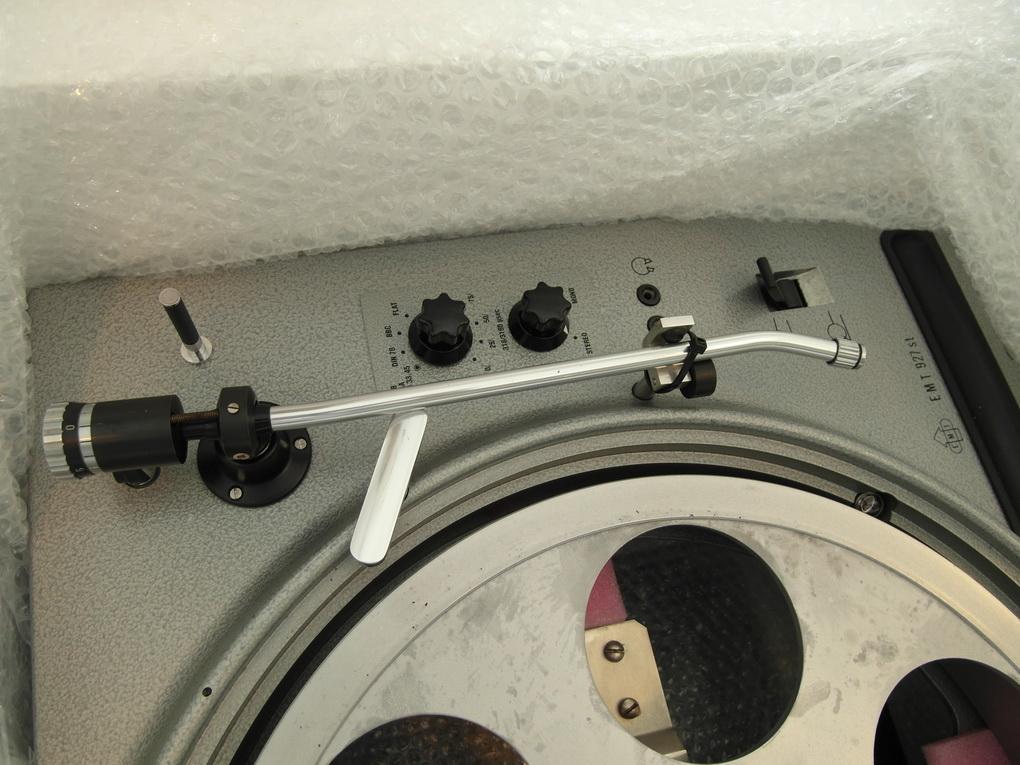 50Hz EMT 927st #203 + EMT shock-absorbing frame + Ortofon RMA-297 + EMT TSD 15 SFL + ไฟน์จูน สอบถามได้ครับ 084 560 3199
