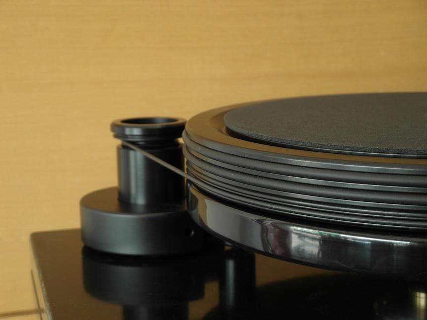 Nottingham Analogue Space 294 จานหมุนทำด้วยโลหะผสมที่มีน้ำหนักมาก (heavy alloy material)