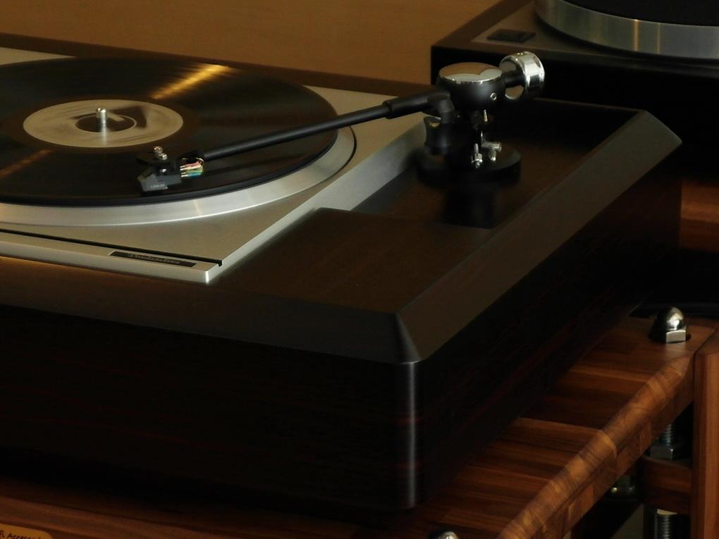 "Technics SP-10 mk 2 + PSU + 10"" Helius Design Scorpio 4 + Plywood Plinth + ไฟน์จูน สอบถามเพิ่มเติมได้ โทร. 084 560 3199"