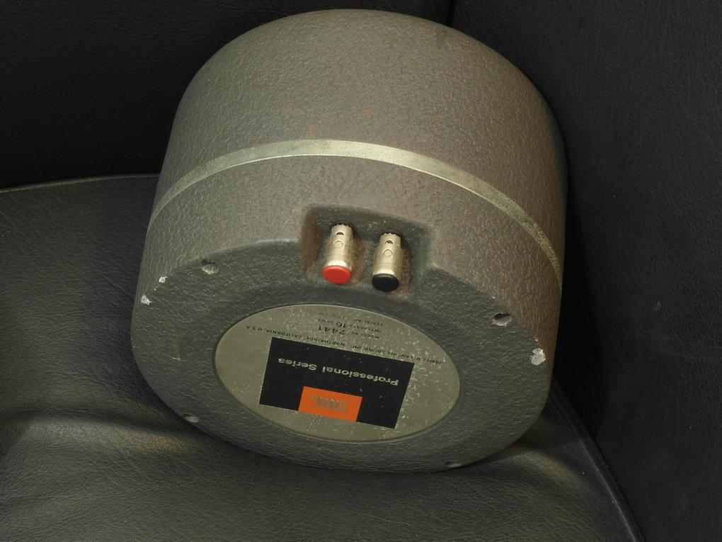 JBL 2441 Compression Drivers 16 Ohm / Pair ทดลองฟังได้ครับ โทร. 084 560 3199