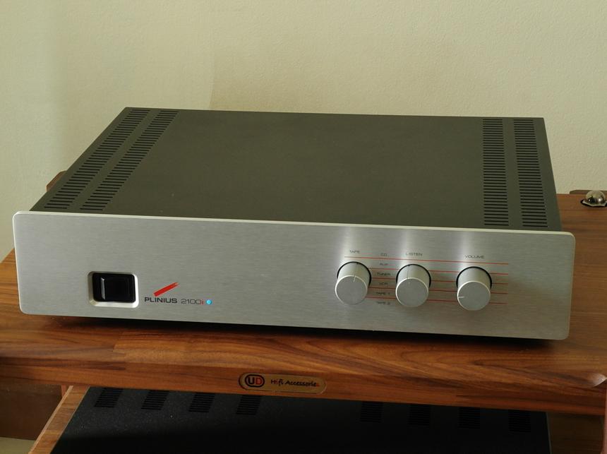 Original Plinius 2100i Integrated Amplifier + Original Box ราคา 36,000.- สอบถามเพิ่มเติมได้ครับ โทร. 084 560 3199