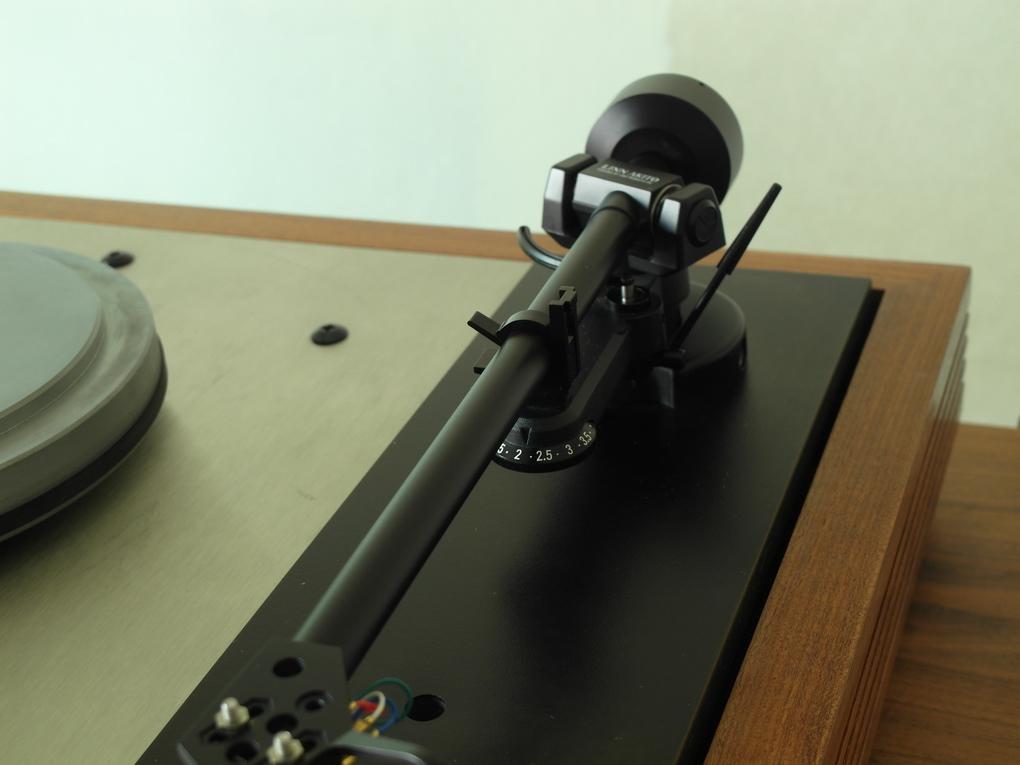 LINN รุ่น LP12 ภาคจ่ายไฟ VALHALLA โทนอาร์ม AKITO หัวเข็ม LINN K9 เปลี่ยนปลายเข็มใหม่  ตรวจเช็คและ Setup ไฟน์จูนแล้ว รับประกัน 1 ปี ราคา 59,000.- สอบถามได้ครับ โทร. 084 560 3199 LINE: audiodirect