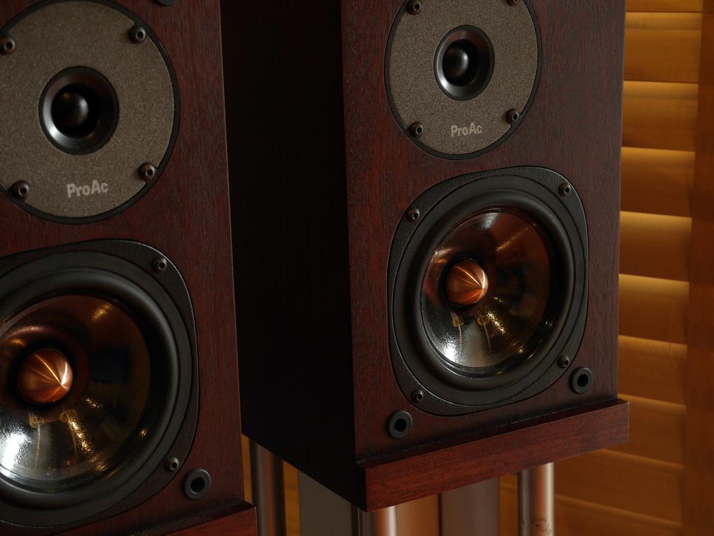 ProAc 1SC Mahogany ราคา 56,000.- สอบถามได้ครับ โทร. 084 560 3199 Line: audiodirect