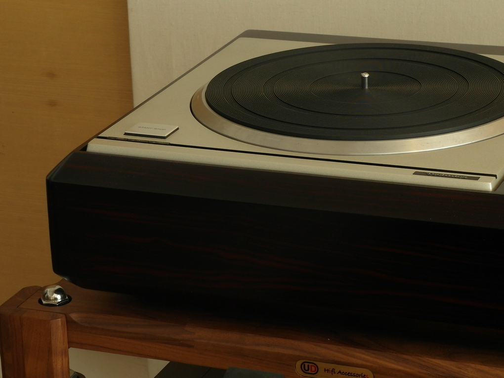 Technics SP-10 mk 2 + PSU + 33/45/78 + Plywood Plinth + Jelco SA-750LB + Phono cable ราคา 110,000.- โทร. 084 560 3199