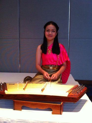 รับบรรเลงดนตรีไทย รับบรรเลงดนตรี ดนตรีไทย วงดนตรีไทย งานวิวาห์ พิธีไทยๆ บรรยากาศไทยๆ วงกลองยาว แห่กลองยาว