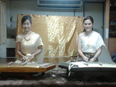 รับบรรเลงดนตรี ดนตรีไทย วงดนตรีไทย งานวิวาห์ พิธีไทยๆ บรรยากาศไทยๆ วงกลองยาว แห่กลองยาว