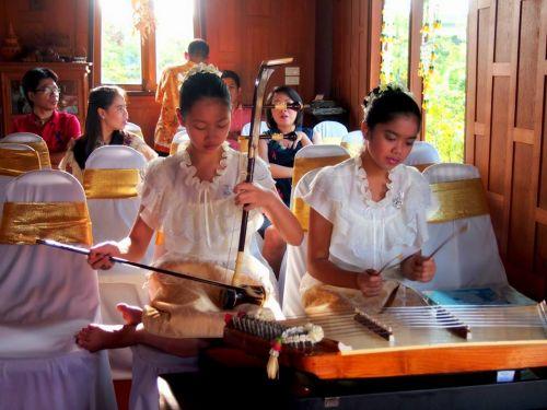 รับบรรเลงดนตรี ดนตรีไทย วงดนตรีไทย งานวิวาห์ พิธีไทยๆ บรรยากาศไทยๆ