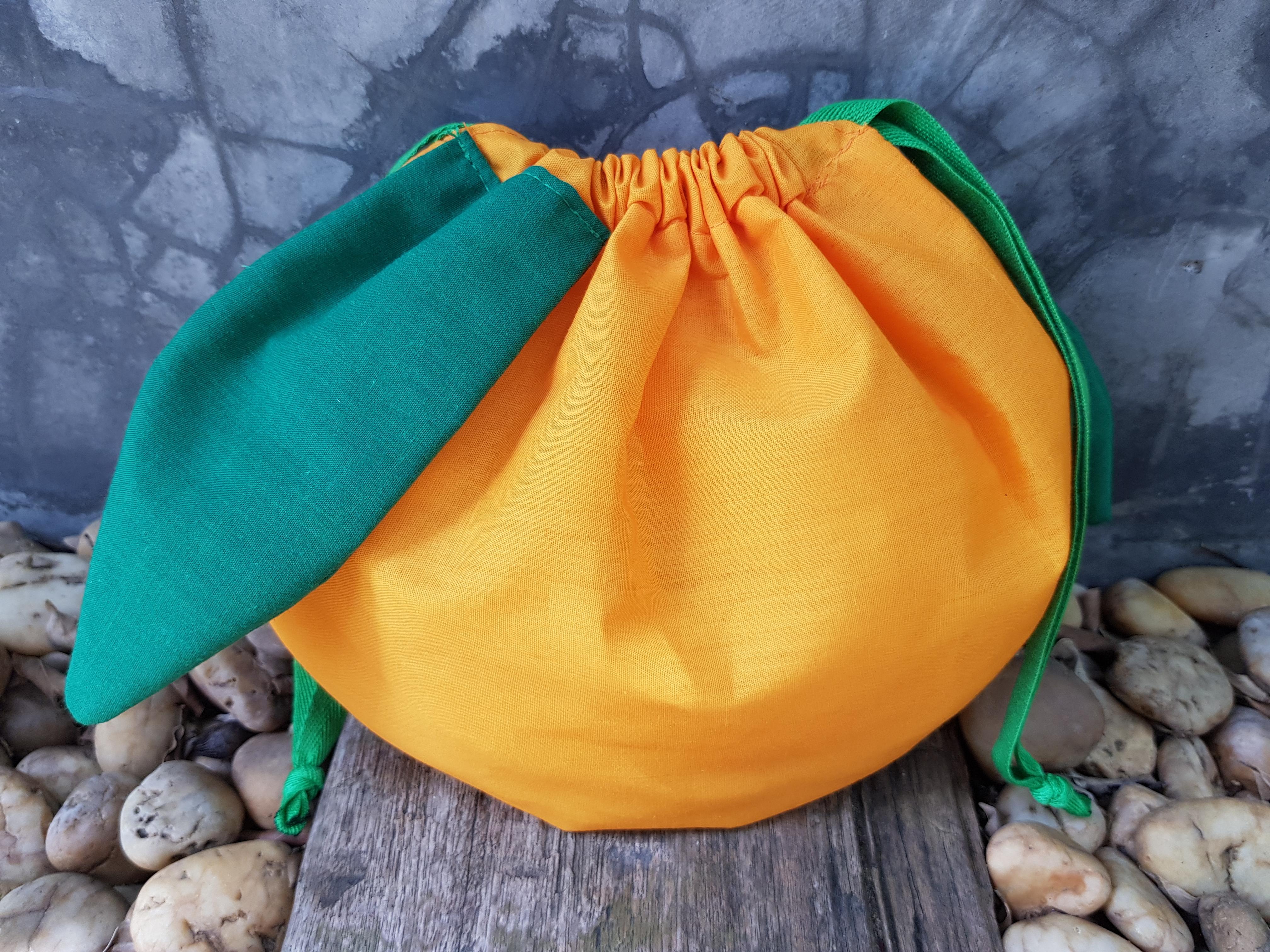 ถุงผ้า, สำเร็จรูป, พร้อมส่ง, ถุงผ้าดิบ, น่ารัก, ถุงหูรูด, สตอเบอรี่, แครอท, สับปะรด, ผ้าฝ้าย, พิมพ์ลาย, งานเย็บประณีต, สีหวาน, สีสดใส, ขนาดเล็ก, ขนาดใหญ่กว่า เอ 4, หีบห่อ, ของขวัญ, ของชำร่วย,  ขายส่ง, ลายน่ารัก, จาก baginlove.com