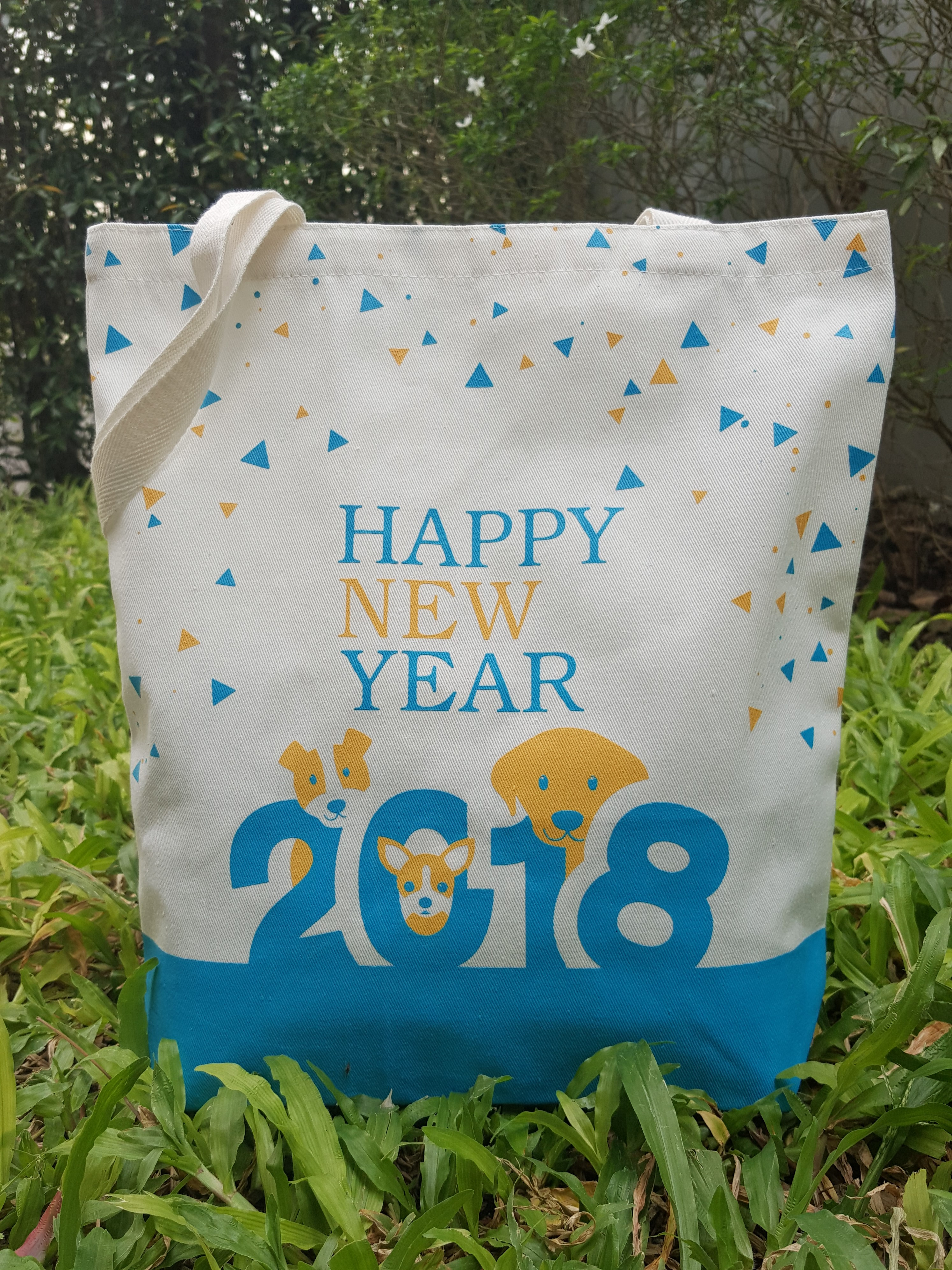ถุงผ้าดิบ, กระเป๋าผ้าดิบ, ลดโลกร้อน, สกรีนลายสำเร็จรูป, ขายส่ง, พร้อมส่ง,ลายน่ารัก, จาก baginlove.com, สวัสดีปีใหม่, 2561, happy new year, 2018