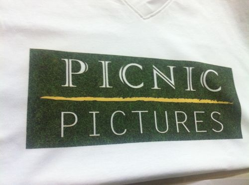ตัวอย่างเสื้อยืดพิมพ์ลายสำหรับพนักงาน ร้านค้า