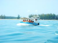 เรือท่องเที่ยวเกาะทะลุ