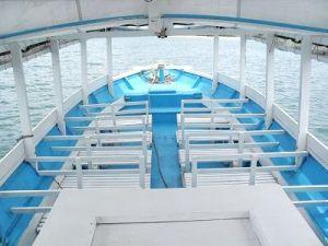 เรือทัวร์ดำน้ำ