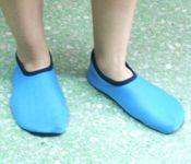 รองเท้าประดาน้ำคัตชู