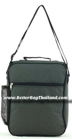 โรงงานผลิตกระเป๋า รับผลิตกระเป๋าเอกสารตามแบบสั่งทำของลูกค้า พร้อมให้บริการสกรีนโลโก้ลงบนฝากระเป๋า