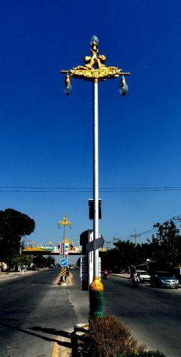 โคมไฟประติมากรรมลิง