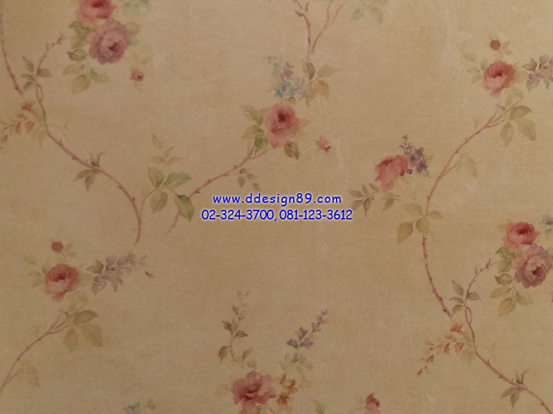 วอลเปเปอร์ลายวินเทจดอกไม้สีชมพูพื้นสีส้มอ่อน