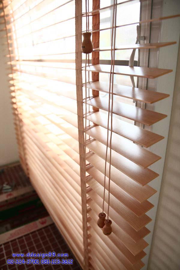 ผลงาน ม่านตาไก่+ผ่าโปร่งแสง มู่ลี่ไม้ บ้านเดี่ยว ภัสสร หนามแดง