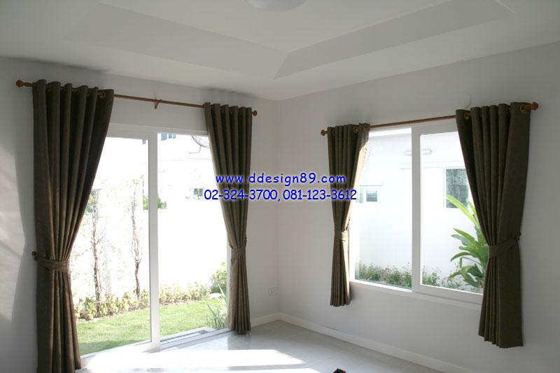 ม่านตาไก่ประตูและหน้าต่างสีน้ำตาล