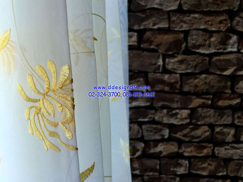 ติดผ้าม่านขาวบาง ติดผ้าม่านสีขาว ติดม่านบางมีลวดลาย แต่งหน้าต่างคอนโดสวย ที่ คอนโด life รัชดา