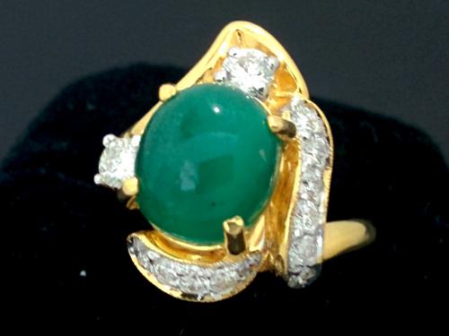แหวนมรกต ใบเซอร์ฯ  (นน.ทอง 7 กรัม เพชร 2P=0.26, 11P=0.30 กะรัต มรกต 3.78 กะรัต)  ราคา : 35,000 บาท