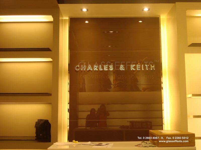 ป้ายชื่อร้าน by Glass Effexts