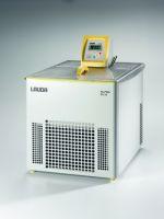 อ่างควบคุมอุณหภูมิแบบหมุนวน ยี่ห้อ Lauda รุ่น RA 24