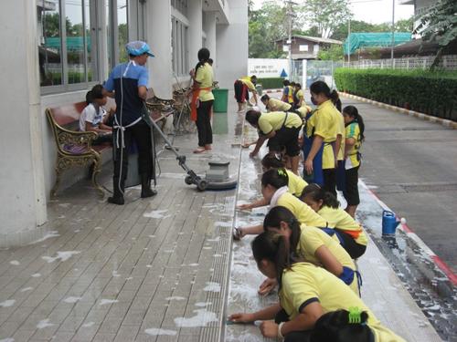 ทำความสะอาด กำจัดกลิ่นเหม็น ภายในโรงเรียน ด้วย KEEEN ชีวบำบัดภัณฑ์