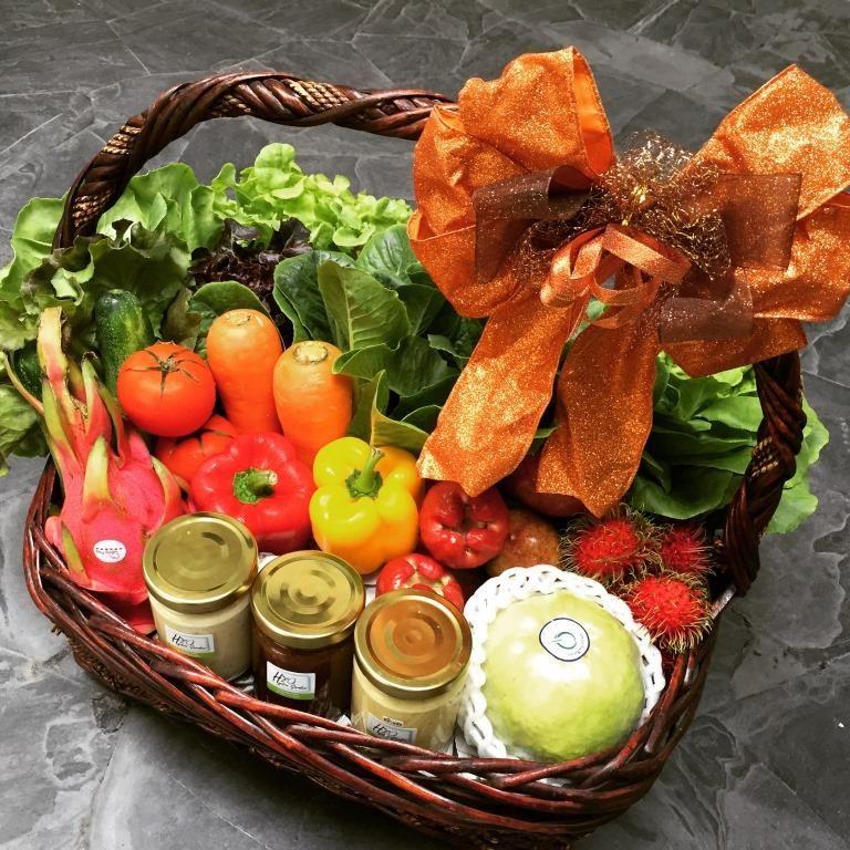 กระเช้าผัก กระเช้าของขวัญ กระเช้าปีใหม่ กระเช่าให้ผู้ใหญ่ กระเช้าสุขภาพ กระเช้าผักผลไม้