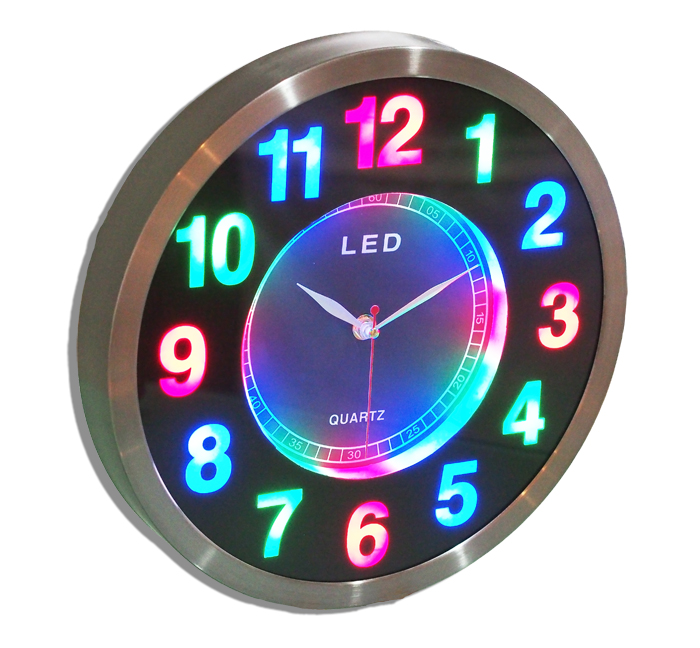 Circuit Wall Clock Tells Time With Led Lights Gizmo Chunk
