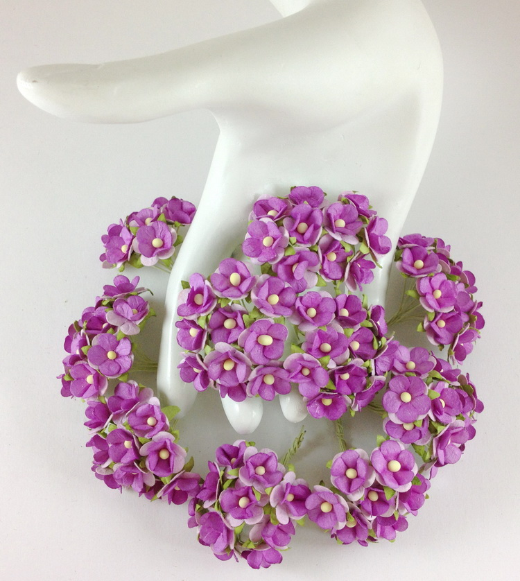 500 small purple paper flowers crafts and wedding for Small flowers for crafts