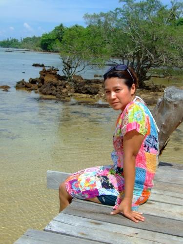 ถ่ายรูปสวยๆที่สะพานไม้ของเกาะหมาก กรีนวิว รีสอร์ท