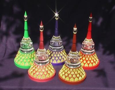 เจดีย์รุ่นฐานไม้ประดับลายไทยหลากสีสรรให้เลือก