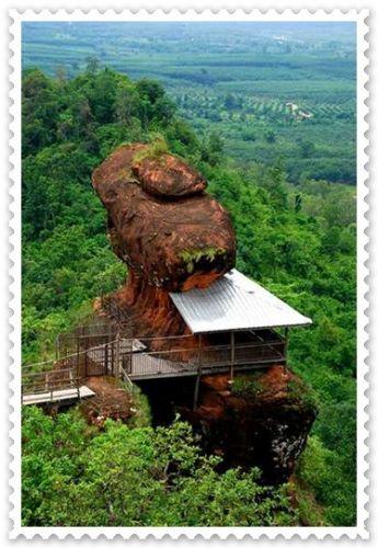 พุทธวิหาร ภูทอก