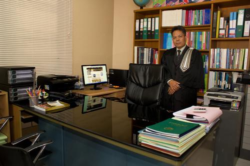 ทนายความ ลีนนท์ พงษ์ศิริสุวรรณ