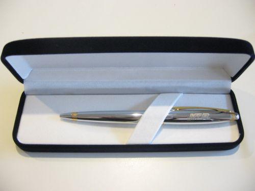 ปากกาพร้อมกล่องสแตนเลส