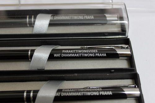 ปากกาที่ระลึก ปากกาพร้อมกล่องกำมะหยี่หรู สกรีนโลโก้บริษัท หน่วยงาน ต่างๆ