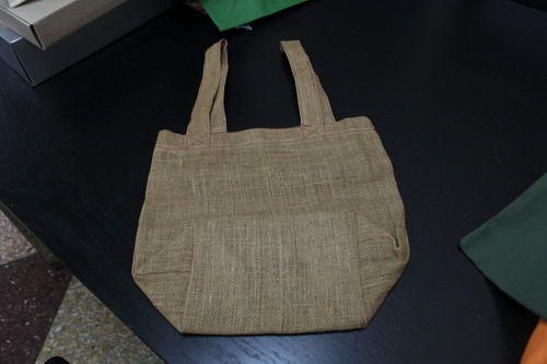 กระเป๋าผ้า,ของพรีเมี่ยม,ของที่ระลึก,ของขวัญปีใหม่,ของที่ระลึกเกษียณอายุราชการ,ของที่ระลึกงานศพ ของขวัญแจกพนักงานกระเป๋าผ้ากระสอบ